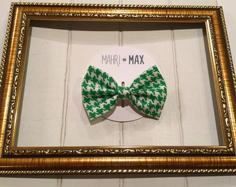 Green and White Fabric Bow