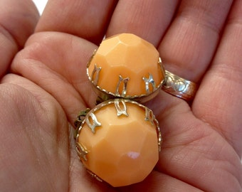 Vintage 80's clip on earrings - orange tangerine plastic rounds, orange clipon earrings