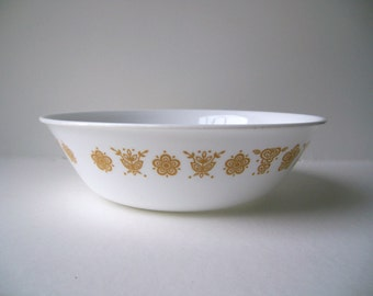Corelle Livingware Serving Bowl Large Round Bowl in Butterfly Gold