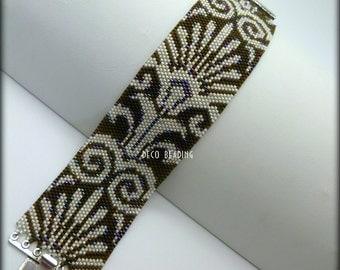 Beaded Bracelet. Seed Bead Bracelet. Peyote Stitch Bracelet. Cuff Bracelet. Medium Bracelet.