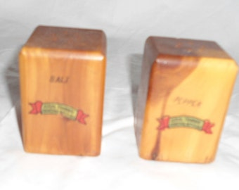Vintage Souvenir Wood Salt and Pepper Shakers fron Aerial Tramway, Franconia Notch, NH