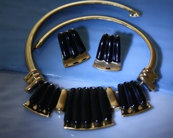 Elegant Vintage Napier Modernist Choker and Earrings