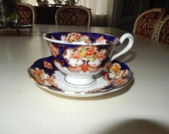 ENGLAND ROYAL ALBERT Derby Teacup and Saucer Set