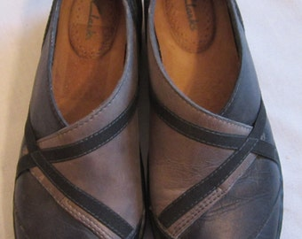 Women's Clarks Shoes, Muted Grays, Size 7