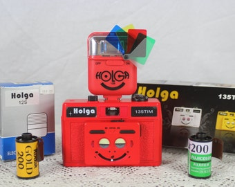 Holga 135TIM 35mm red 3D Camera w/ flash and film