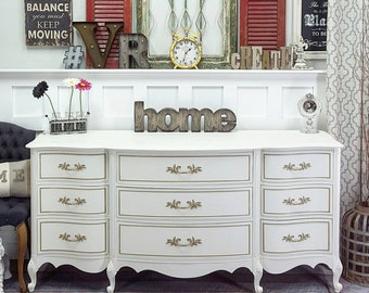 White & Gold French Provincial dreser