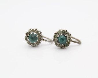 Vintage Uncas Flower Cluster Chaton Screw-Back Earrings in Sterling Silver. [9342]