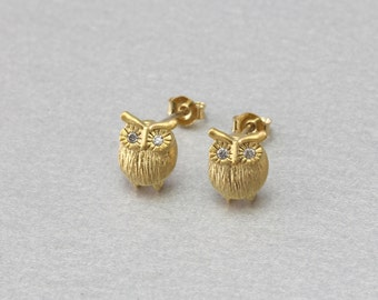 Owl Post Earring . Matte Gold Plated . 92.5% Sterling Silver Post . Cubic Zirconia . Brass Framed . 10 Pieces / C1046G-CR010