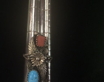 Vintage Antique Silver and Turquoise Flower Ring - size 7 1/2 - E021