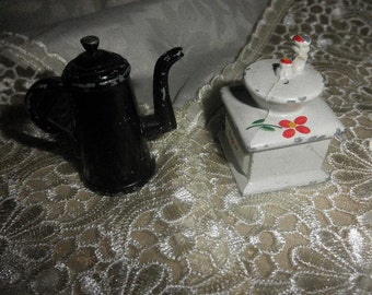 Salt and Pepper Shakers Die Cast