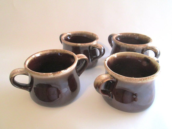 Vintage Mccoy Double Handled Soup Bowls In The Brown Drip