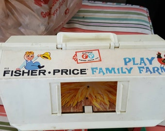 Fisher Price Family Farm - vintage Fisher Price - vintage family farm - vintage farm toy - farm toy vintage - barn toy - vintage barn toy
