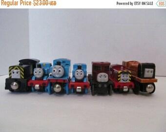ON SALE Thomas the Train - Set of 7 train cars