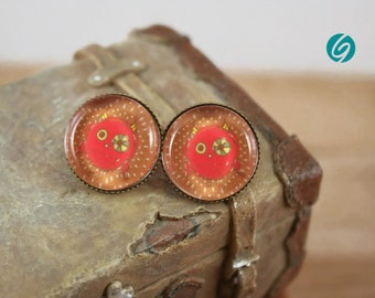 Funny and cute red owl on a brown back - alliage stud earrings - 18 mm round cabochon -Quebec handmade by Créations GEBO