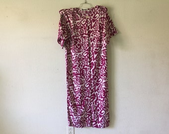 Vintage Dress - Abstract Print Button Up Front Short Sleeve Back and Front Slit