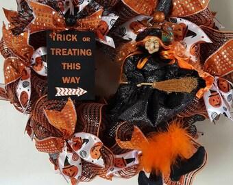 Halloween Wreath, Witch Wreath, Door Decor, Halloween Decor, Party Decor, Halloween Witch Wreath, Whimsical wreath, Decomesh Wreath