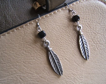 Free Shipping*, Southwestern, Feather Earring, Earing, Bohemian, Boho Jewelry, Accessories, Silver, Antique Finish, Black Bead, #80212-1,