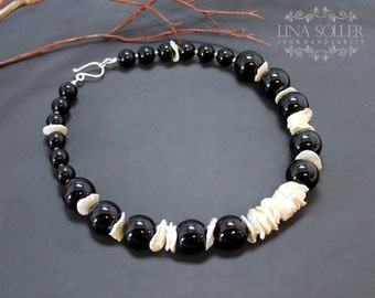 Massive necklace with Onyx, keshi pearls