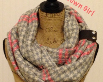 Knit Infinity Scarf, Womens Knit Infinity Scarves, Knit Scarves, Knit Scarf, Winter Infinity Scarf, Knitted Scarves, Thick Chunky Scarfs