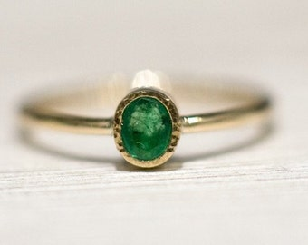 Oval emerald ring in 14k gold, Engagement Ring, Emerald Ring, 14k Yellow Gold Engagement Ring, Anniversary Gift for her