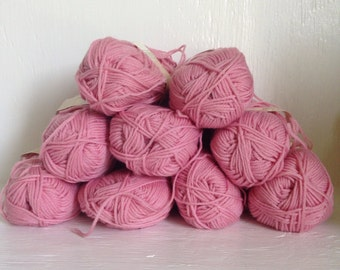 Vintage Wendy Merino Wool Yarn
