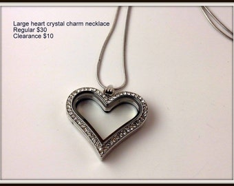 Living locket with chain (charms not included)