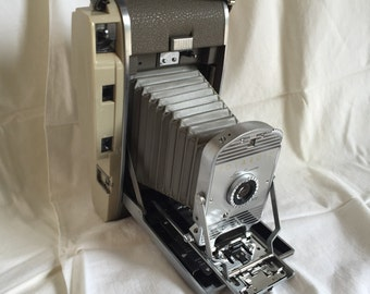 Vintage Polaroid 800 Land Camera; Includes Original Box, Wink light and Manual