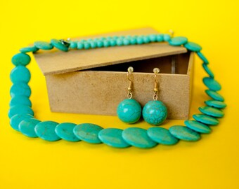 Beautiful turquoise necklace handmade Mexican. Perfect for weddings or parties.