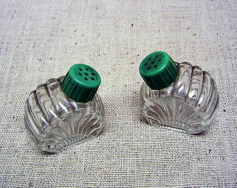 Sea Shell Pressed Glass ,Salt and Pepper Shakers, Vintage