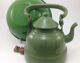 Green Enamel Coffee Pot and Bowl - Duo of Vintage Kitchenwares - Shabby Chic Metalware