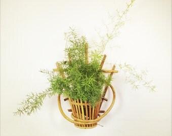 Bamboo pot holder.