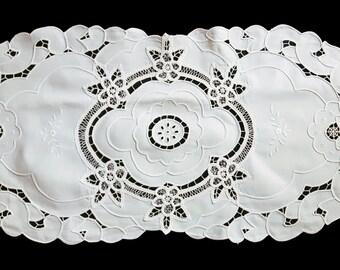 Vintage white oval table runner