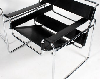 Marcel Breuer original vintage Wassily Chair in Chrome and black Leather (2 available)
