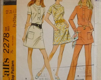 Vintage sewing Pattern. McCall's 2278 .1970 dress pattern.