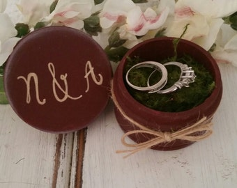 Ring Bearer Box, Wedding Ring Box with Moss, Ring Box with Personalized Initials, Rustic Vintage Wedding, Ring Box