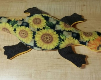 Custom microwavable heat pad gecko with removable cover