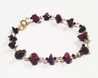 Red jasper and seed bead bracelet