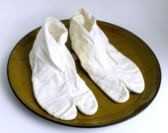 White Cotton Tabi Socks, Kid's Tabi Socks, Geta Sandal Socks, Japanese Tabi Socks, Kimono Accessory, Geisha Accessory, Ninja Slippers