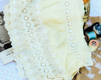 Retro broderie anglaise trim, lace edging, 1960s broderie anglaise sold by the metre,