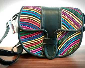 Cross-body Leather bag with a beautifl Mola Textile