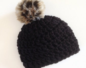 Crochet pompom hat, crochet baby hat, faux fur pompom, leopard print pompom, Pompom hat