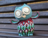 PATTERN - Crochet Owl Toy with colorful feathers and big eyes - overlay crochet - instant download