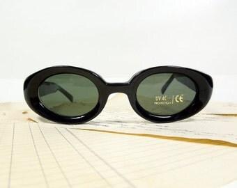 Heavy Cat eye, cat women sunglasses black frame, Deadstock, Retro, Clubmaster, summer, sun, sunnies, uv, steampunk classic