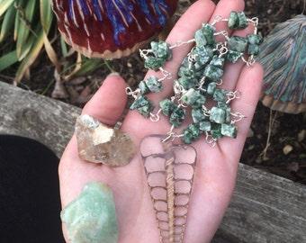 Resin seashell pendant - 26 inch jasper chain