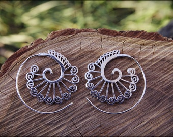 Spiral hoop earrings. Silver plated. Tribal spiral earrings. Spiral earrings ethnic style.
