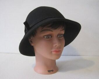 "TRIXIE Cloche Hat 23.5"" Women's Fashion Headdress MOD 80's Wool  Vintage"