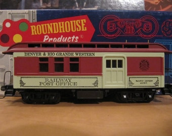 Vintage Roundhouse HO Scale Overton Combine Denver Rio Gr. Western Kit - Built With Box And instruction Sheet. Inc. Shipping In N. America