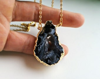 UNIQUE 18 k necklace with black white grey agate
