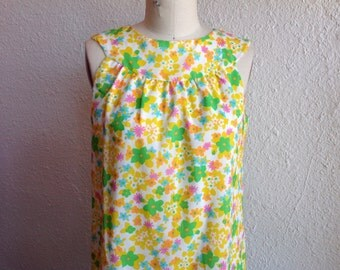 SALE 1960s Pop floral shift dress