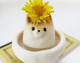 Single-flower vase of Shiba Inu type NEW  Shiba Inu figurine 柴犬置物 by 工房しろ